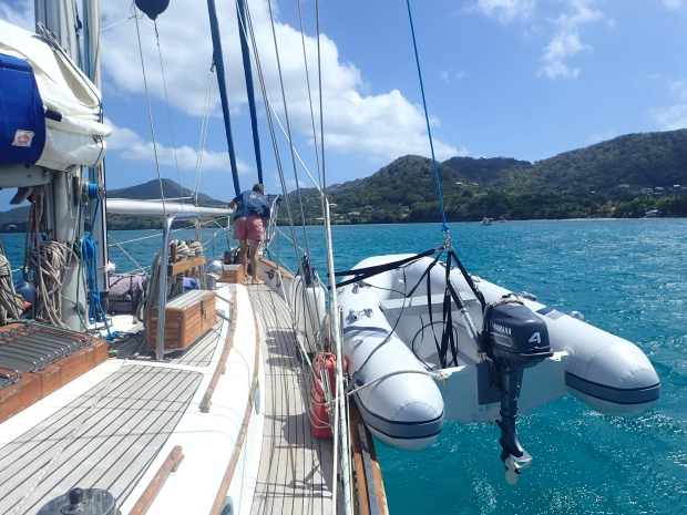 Anchor up- Heading to the next island