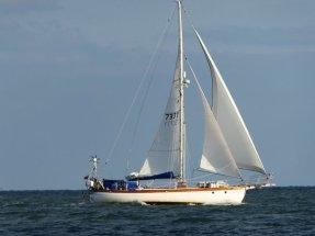 Harding south at 7 knots in a flat sea